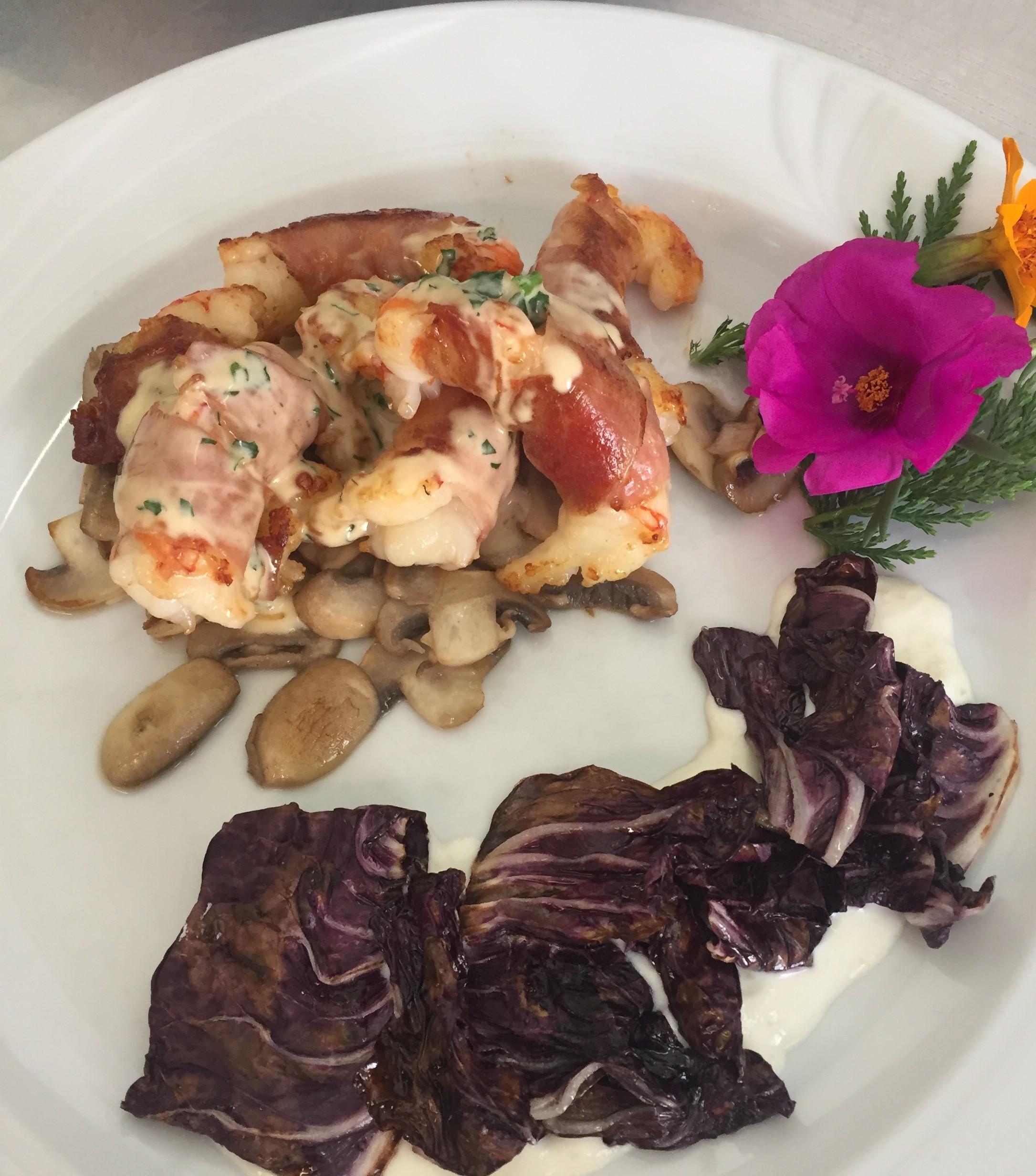 Gamberoni-in-sfoglia-di-speck-con-champignon
