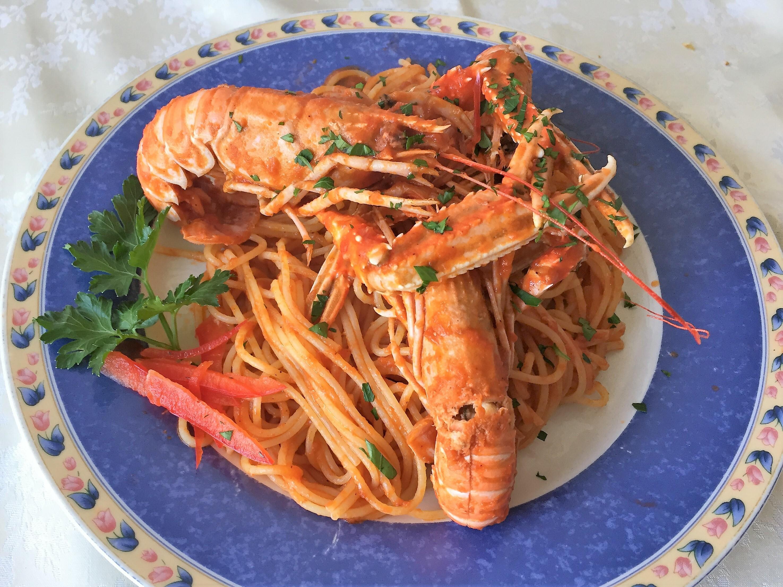Spaghetti con scampi alla Busara