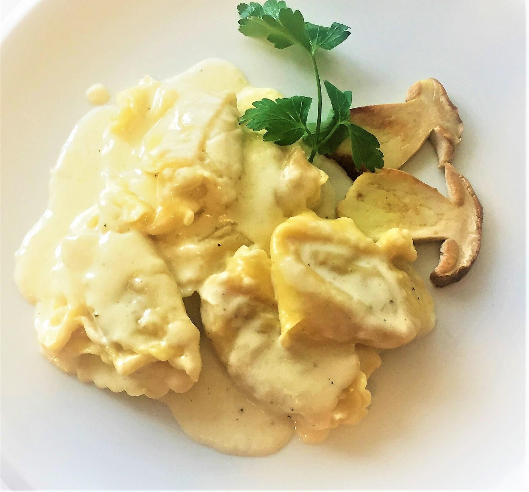 Tortelloni-di-porcino-con-crema-di-formaggio
