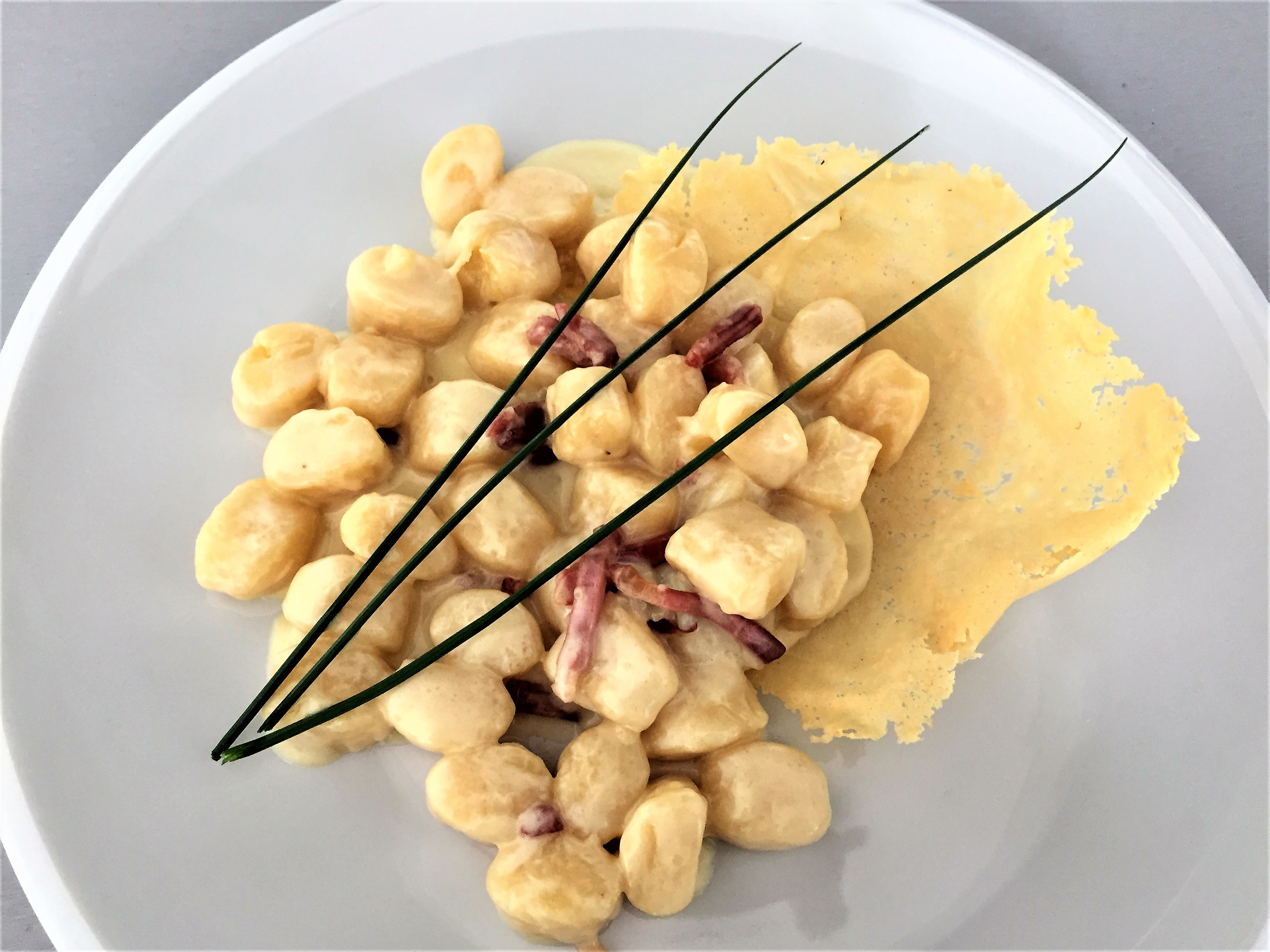 Gnocchi-di-patata-con-speck-e-formaggi