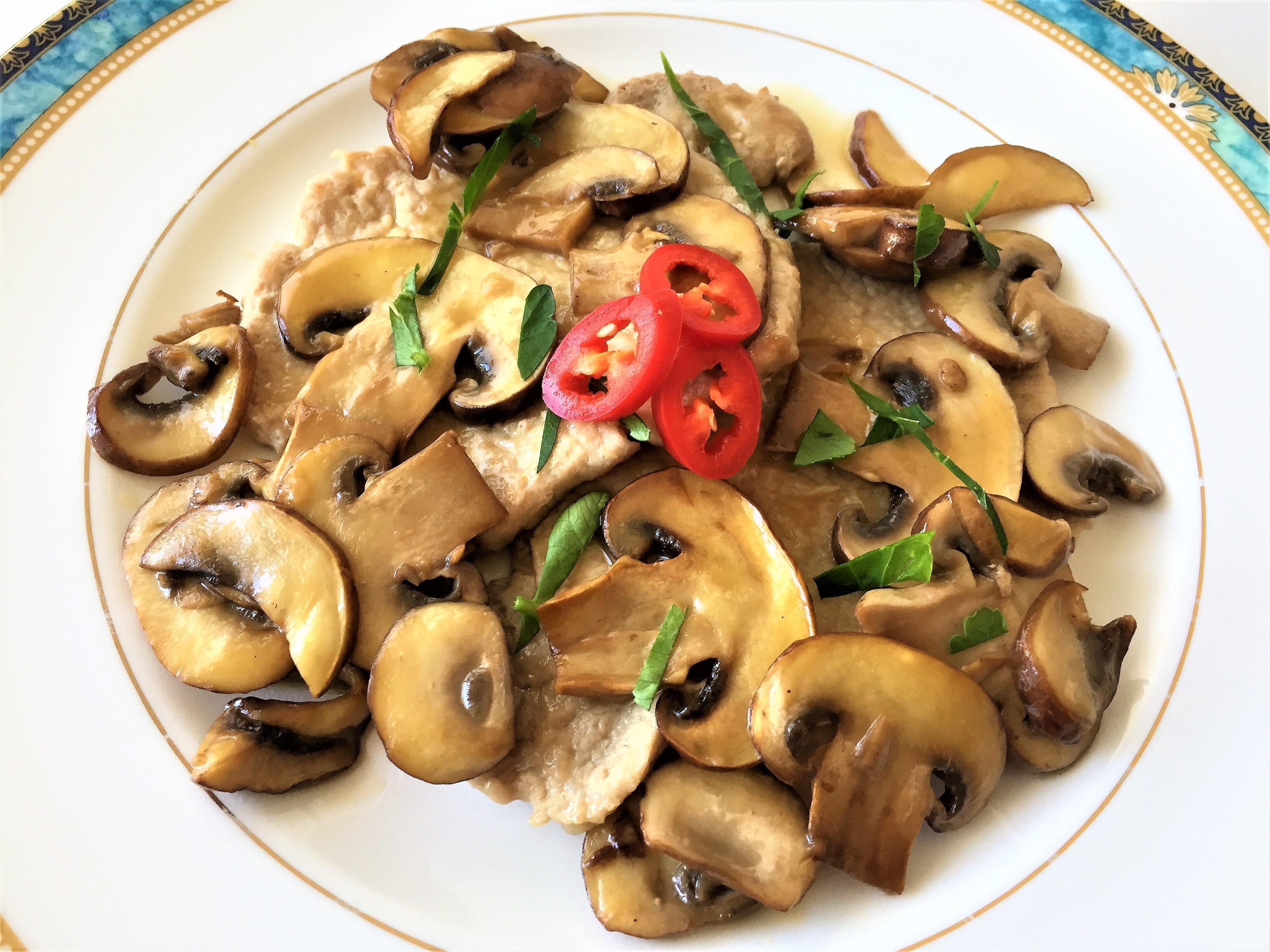 Scaloppine-di-vitello-ai-funghi