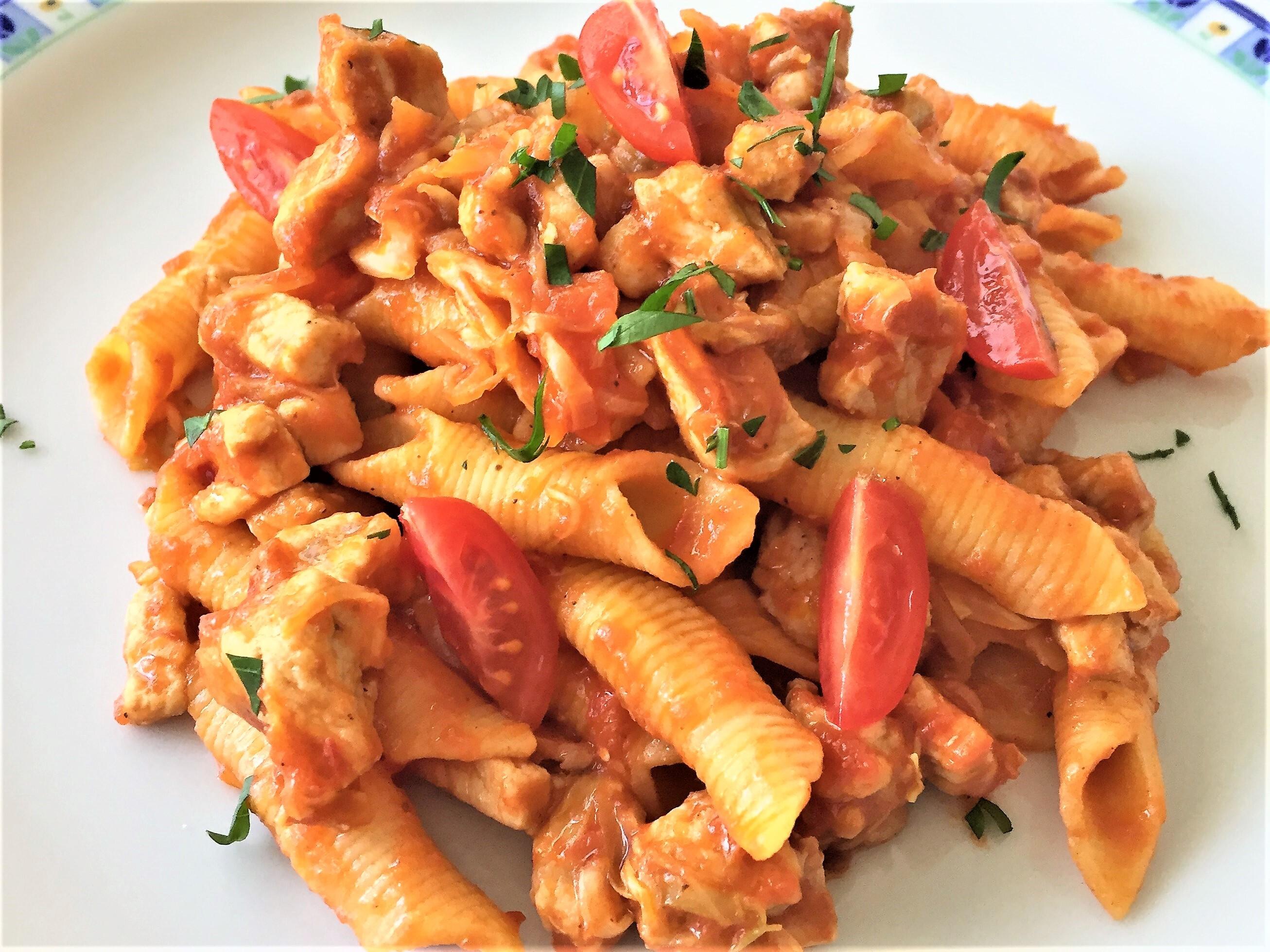 Garganelli-con-lonza-verzotto-e-cumino
