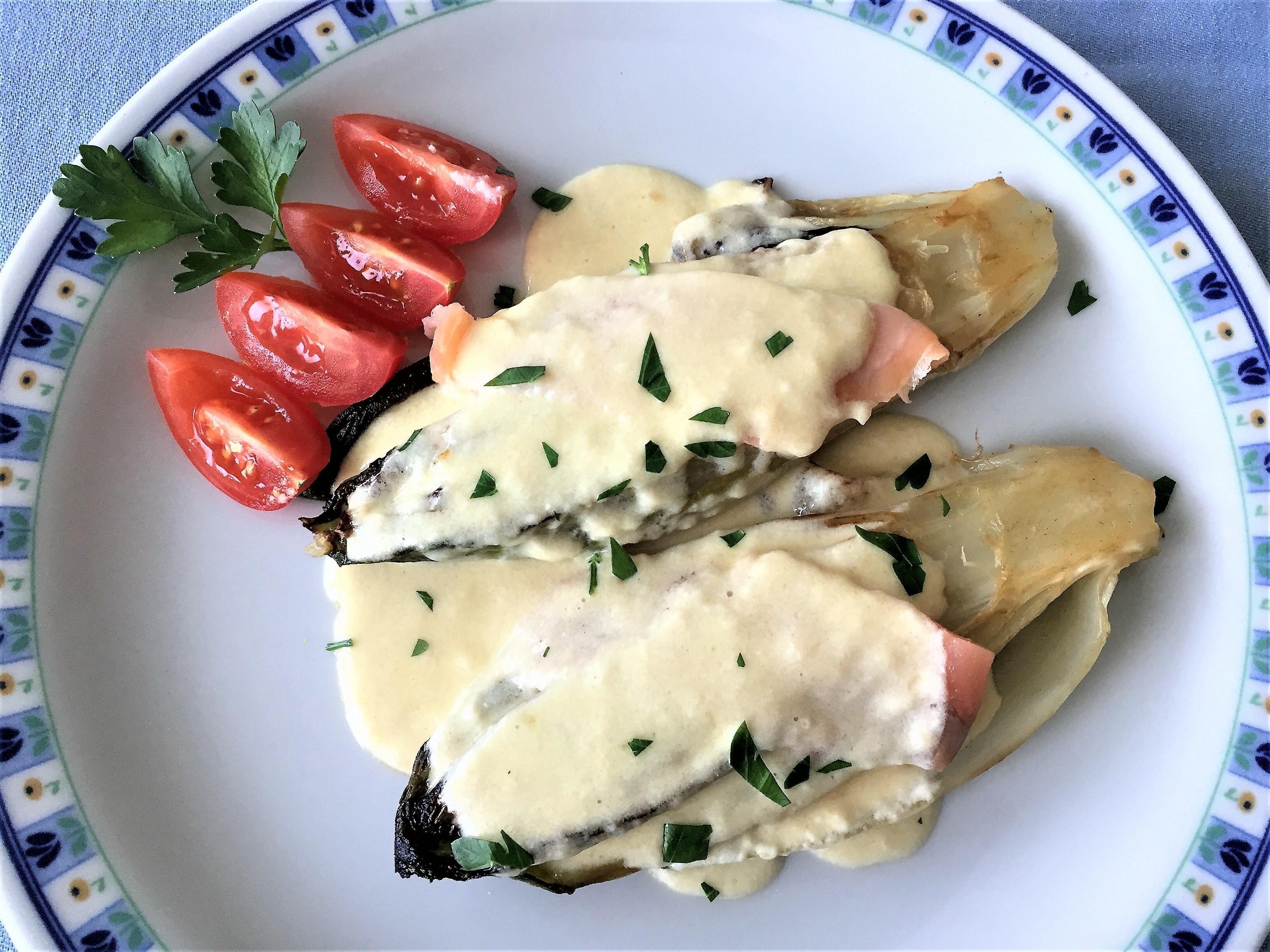 Indivia-belga-con-salmone-affumicato-e-fonduta