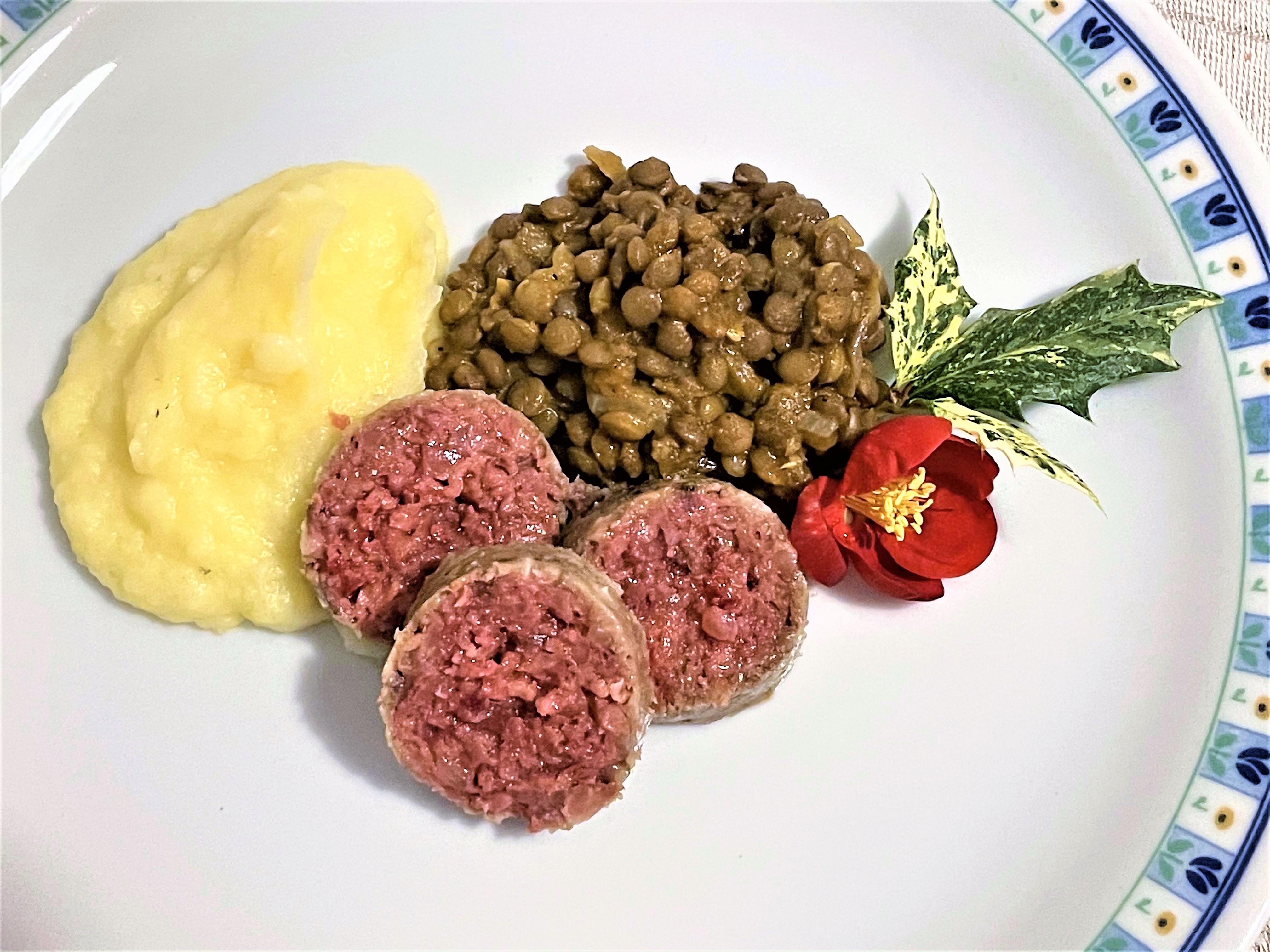 Cotechino-con-purè-e-lenticchie