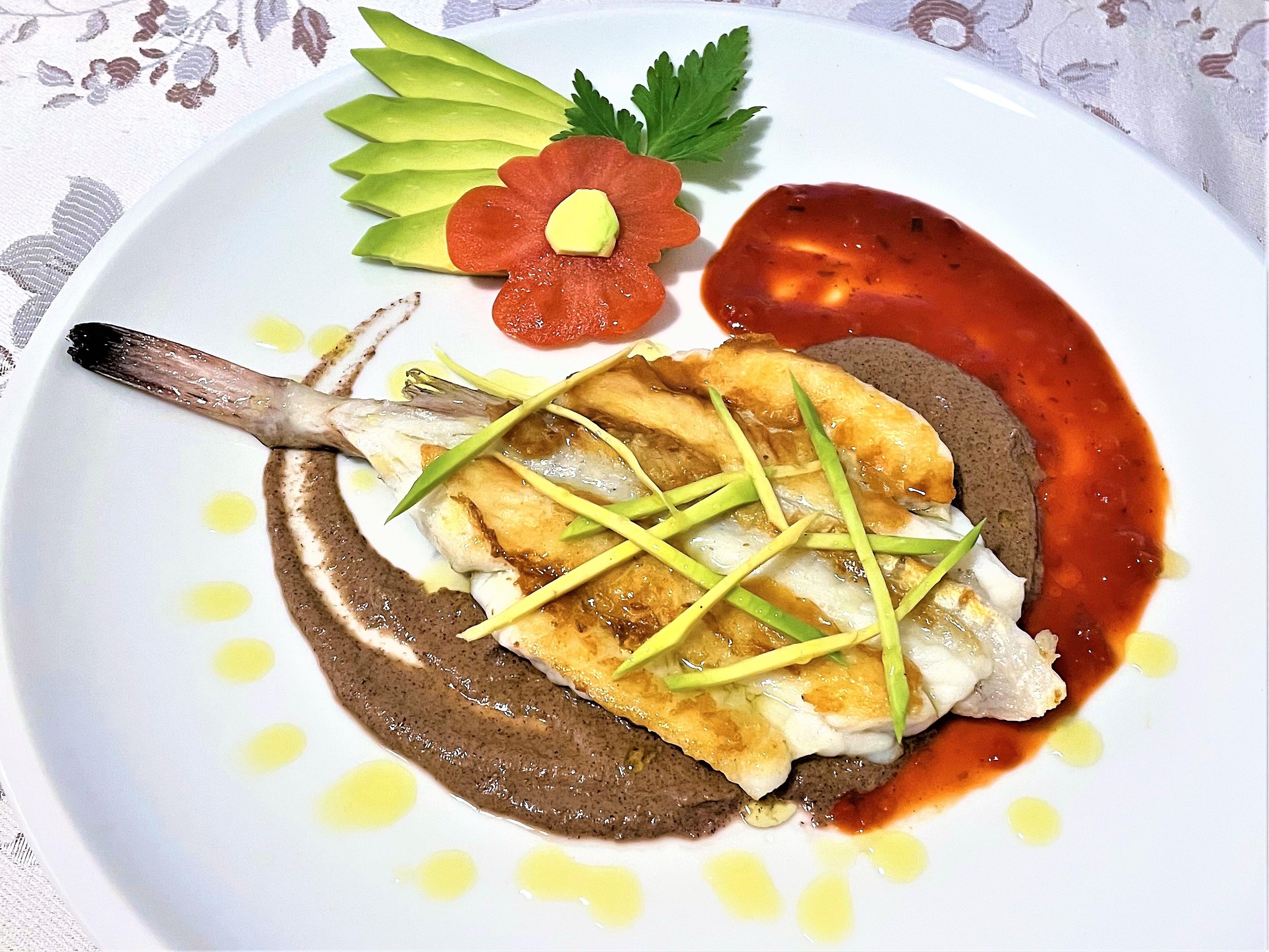 Pescatrice-con-salsa-agrodolce-e-radicchio