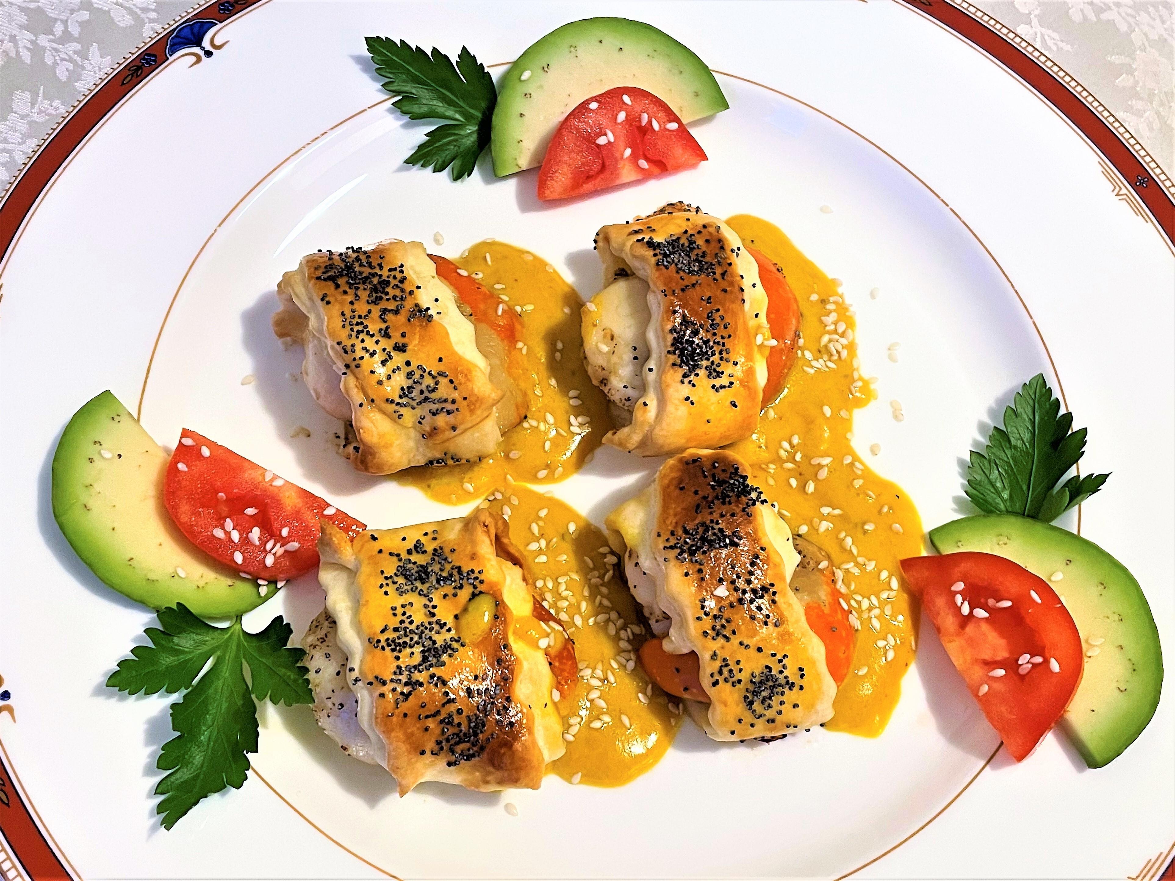 Cappesante-in-pasta-sfoglia-con-salsa-di-curcuma