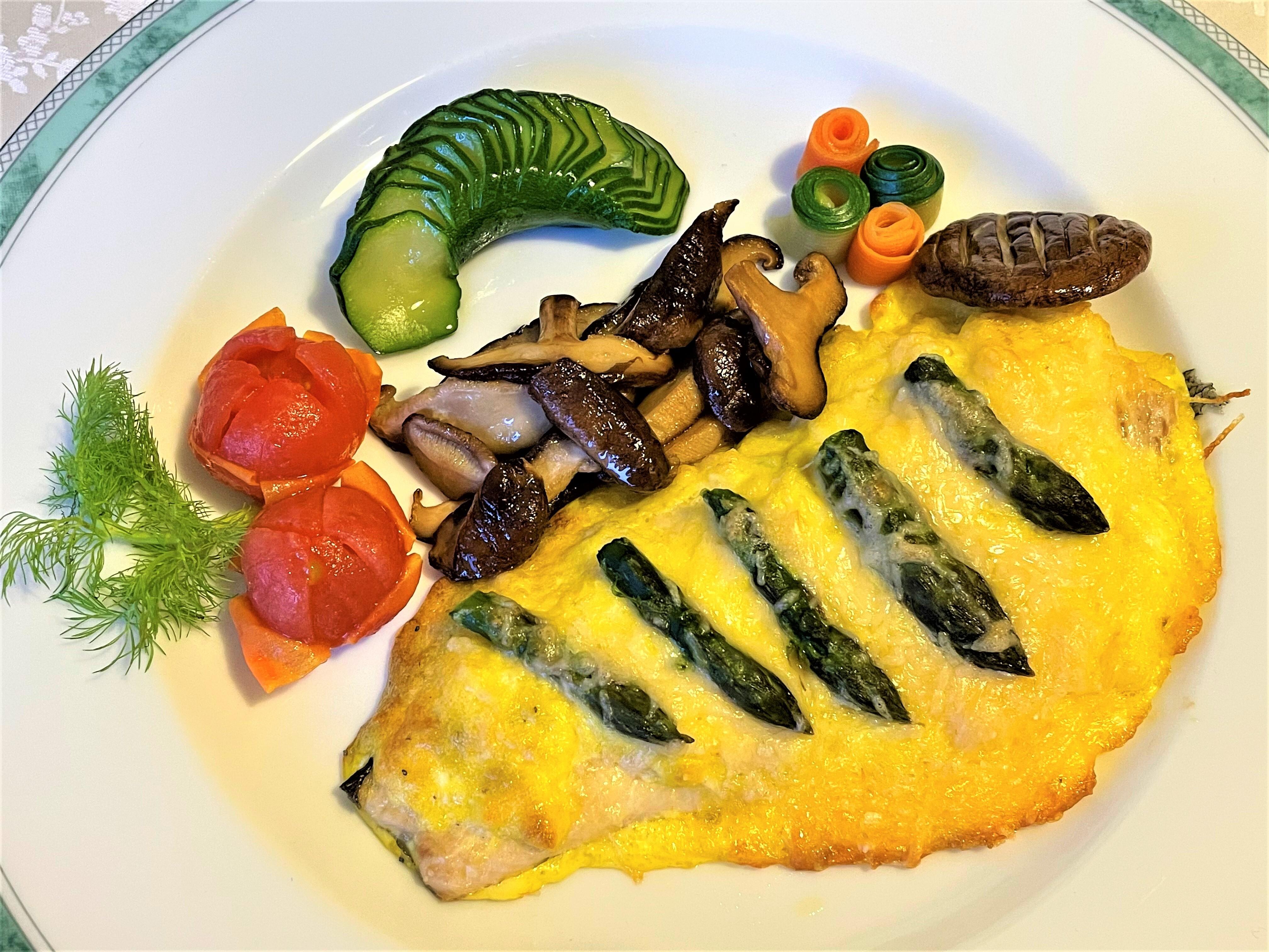Filetto di trota con uova e asparagi